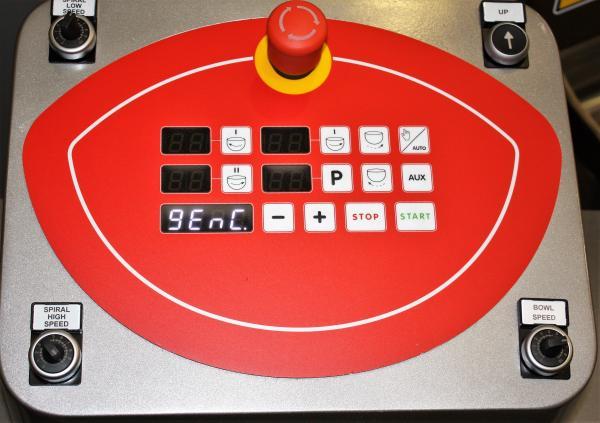 pannello comandi elettronico con selettore bypass e potenziometri per linea Lux