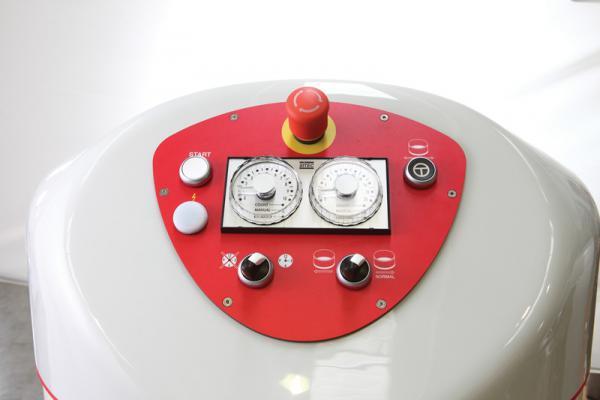 pannello comandi con doppio timer elettro-meccanico
